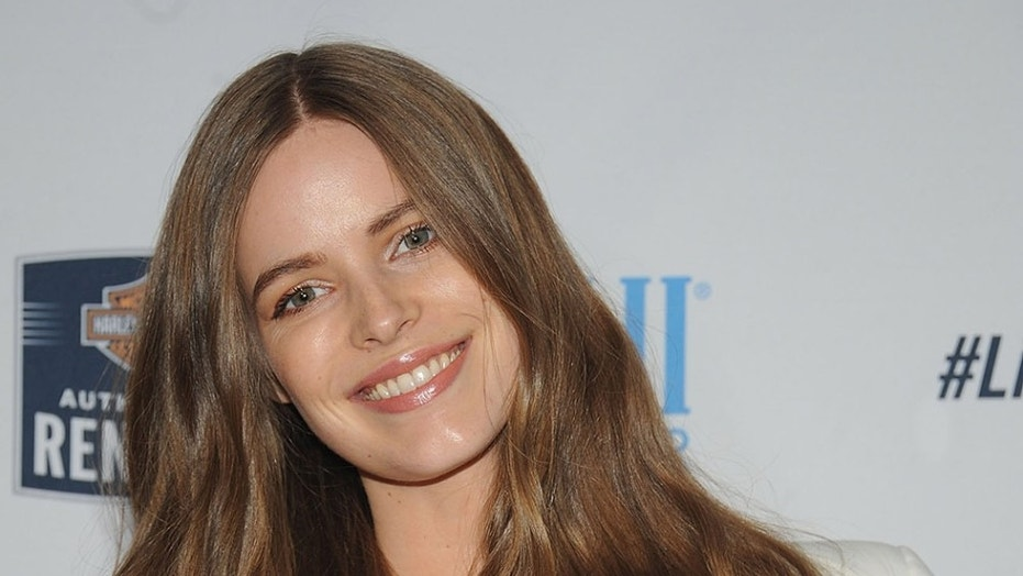 Sports Illustrated Swimsuit model Robyn Lawley is proud to be making waves for women everywhere.
