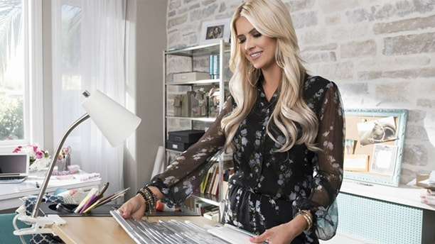 'Flip Or Flop's Christina El Moussa Sets New Series At HGTV