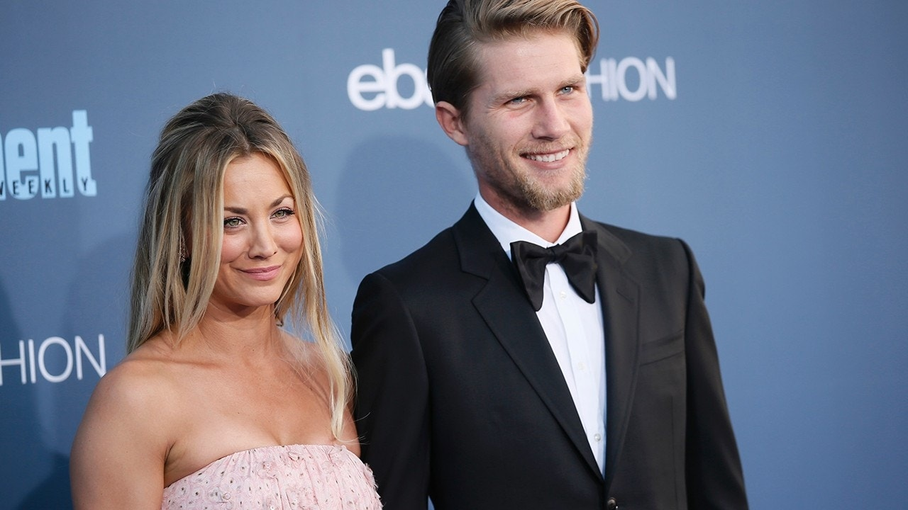 Big Bang\' star Kaley Cuoco breaks down while exchanging wedding vows ...