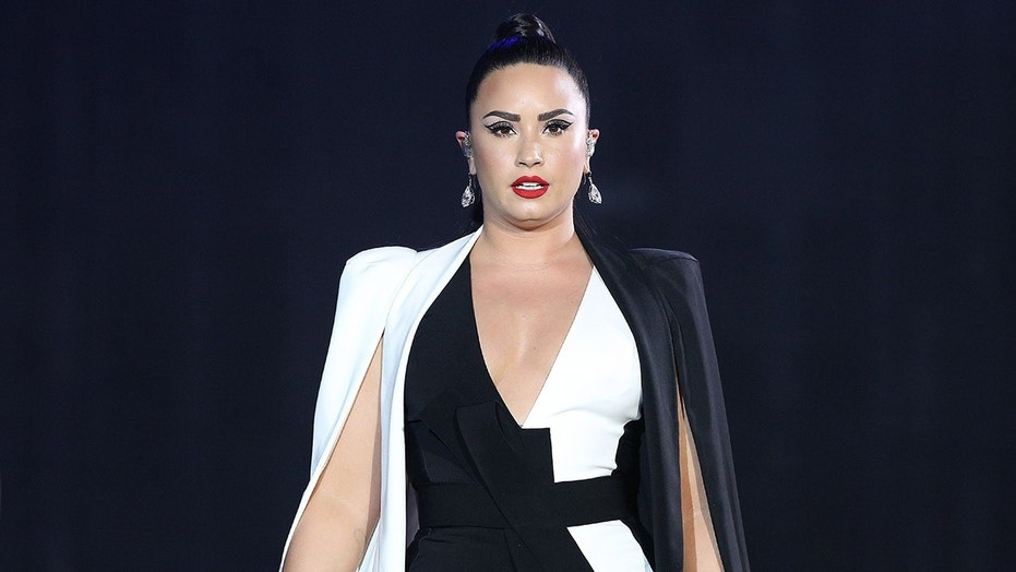 et story use only demi-lovato-gettyimages-983379310