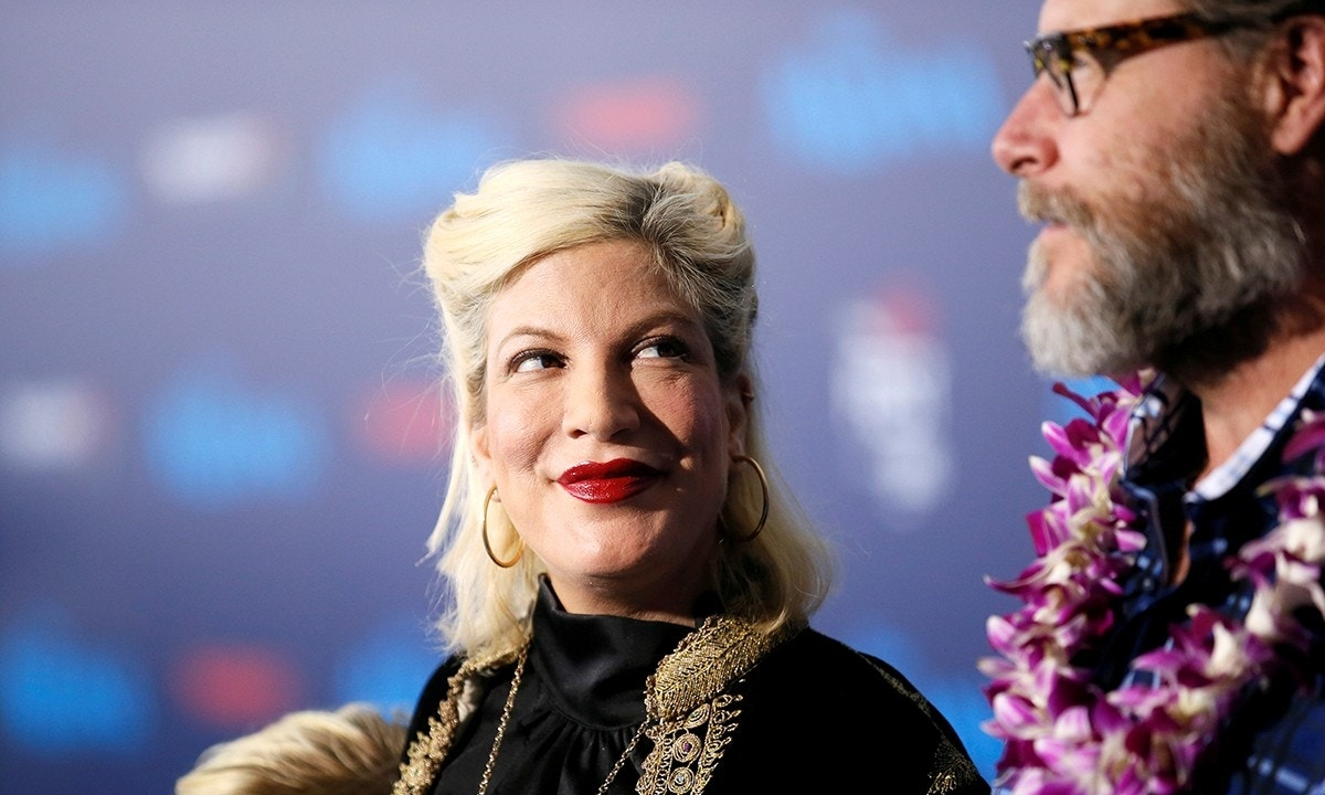 Tori Spelling says toddler son was 'stabbed' by exposed nails at Four Seasons Hotel