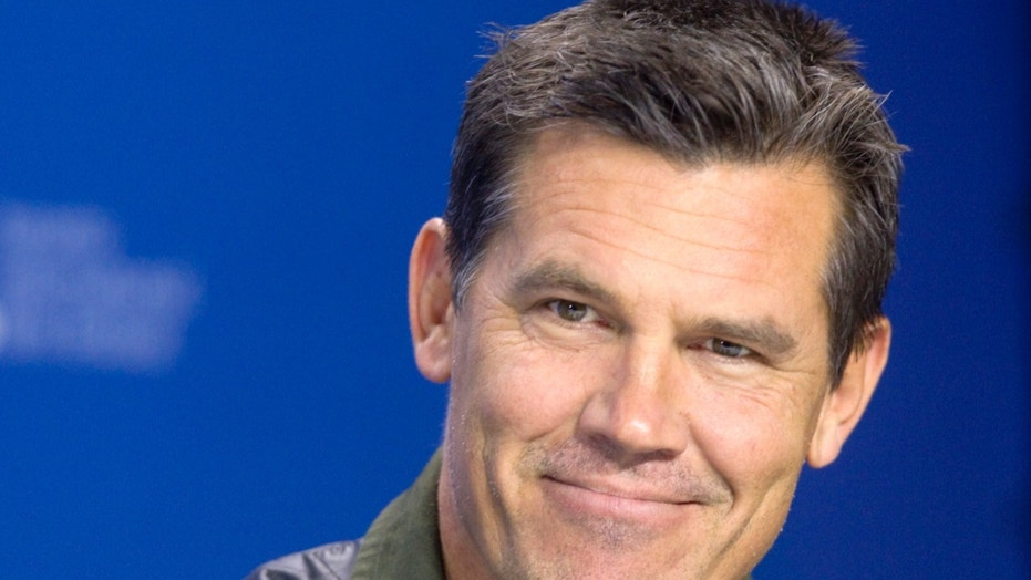 Actor Josh Brolin shared a sweet photo with his daughter and father.