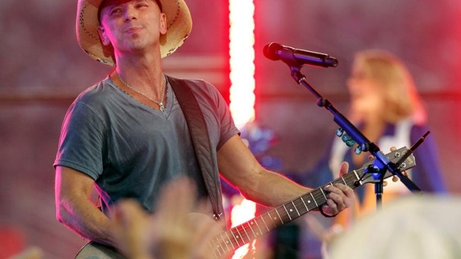 Kenny Chesney injured himself onstage during a concert in Kansas City.