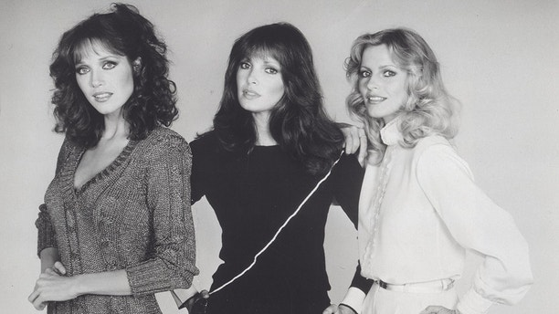 CHARLIE'S ANGELS.Tanya Roberts with Jaclyn Smith and Cheryl Ladd.still.Supplied by   Photos, inc.(Credit Image: © Supplied By Globe Photos, Inc/Globe Photos/ZUMAPRESS.com)