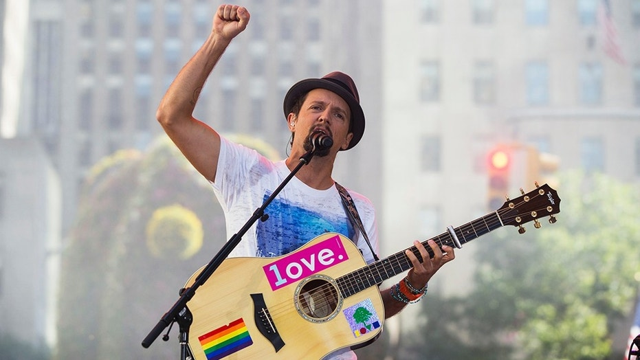 Singer Jason Mraz opens up about sexuality in new interview.