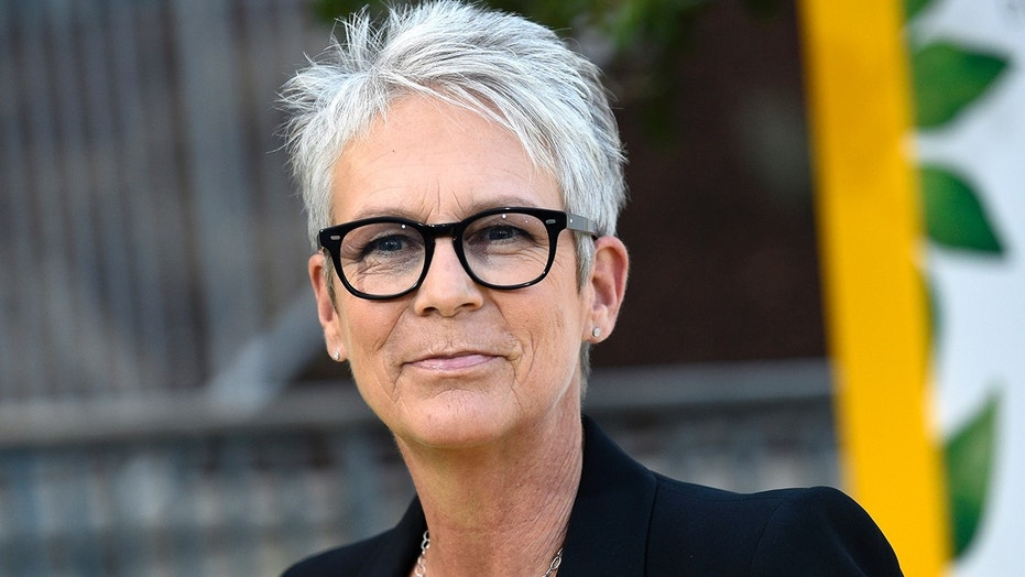 jamie lee curtis was surprised by a fan during a san diego comic con panel