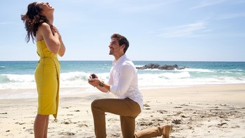 """BACHELOR IN PARADISE - """"Episode 504"""" Ashley Laconetti and Jared Haibon, became engaged yesterday (Sunday, June17) while in Mexico for the upcoming fifth season of Bachelor in Paradise. (ABC/Paul Hebert)ASHLEY IACONETTI, JARED HAIBON"""