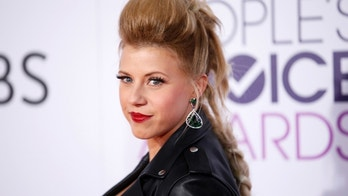 Actress Jodie Sweetin arrives at the People's Choice Awards 2017 in Los Angeles, California, U.S., January 18, 2017.