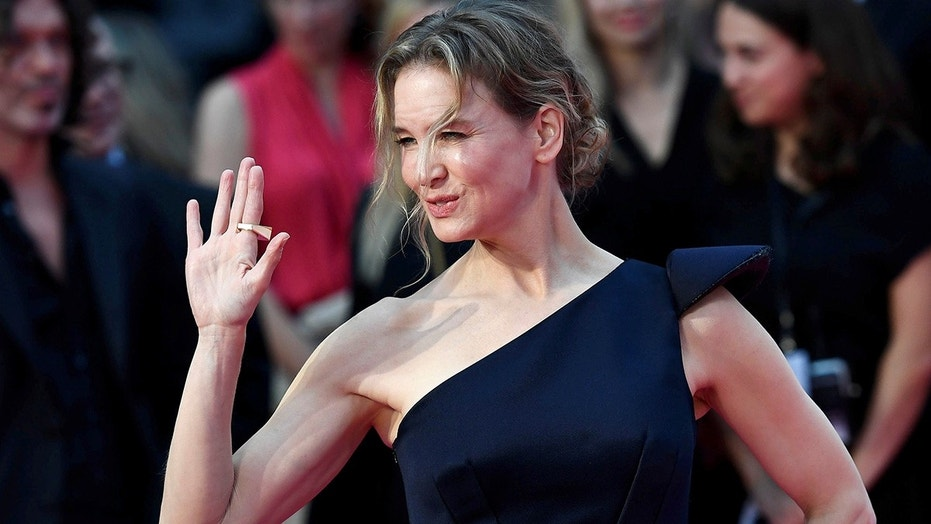 """Actress Renee Zellweger is slated to star in a new Netflix series """"What/If."""""""