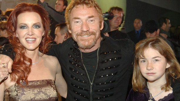 Danny Bonaduce (middle) with wife Gretchen and daughter Isabella (Photo by KMazur/WireImage)
