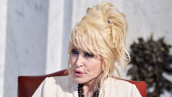 WASHINGTON, DC - FEBRUARY 27:  Singer Dolly Parton and her Imagination Library donate the 100 millionth book to  The Library of Congress on February 27, 2018 in Washington, DC.  (Photo by Shannon Finney/Getty Images)
