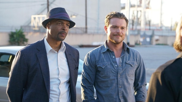 LETHAL WEAPON: L-R: Damon Wayans and Clayne Crawford in LETHAL WEAPON coming soon to FOX.