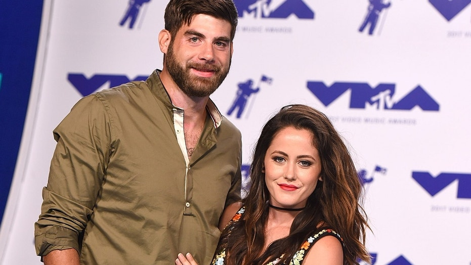 """""""Teen Mom 2"""" star Jenelle Evans defended her husband after he shared a """"straight pride"""" post on social media."""