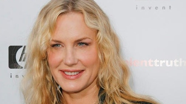 """Actress Daryl Hannah arrives for the Los Angeles premier of the global-warming documentary """"An Inconvenient Truth,"""" Tuesday, May 16, 2006, in the Hollywood section, of Los Angeles. The documentary highlights the environmental issues of global warming and former Vice President Al Gore's commitment to helping the environment. (AP Photo/Lucas Jackson)"""