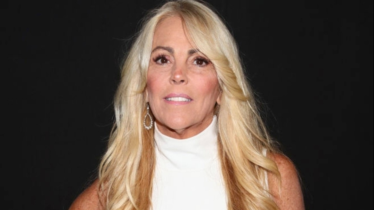 Lindsay Lohan's mom, Dina, files for bankruptcy with over $1.5 million in debt: report | Fox News