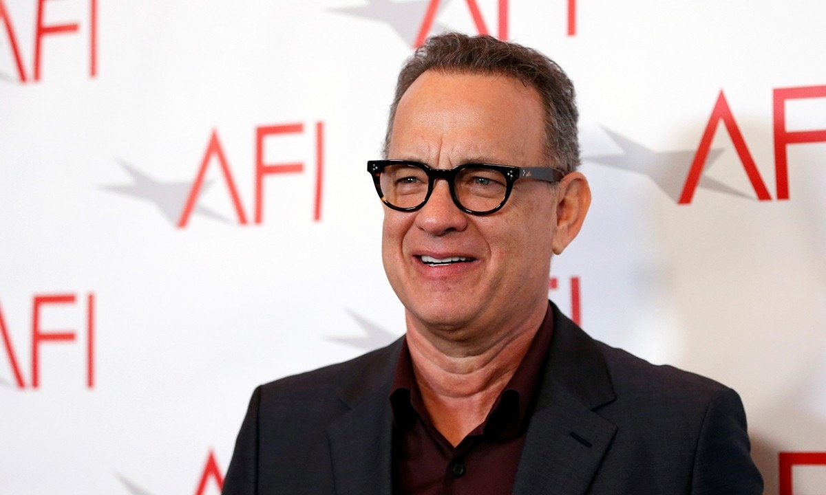 Tom Hanks is Mister Rogers in first photo from upcoming film