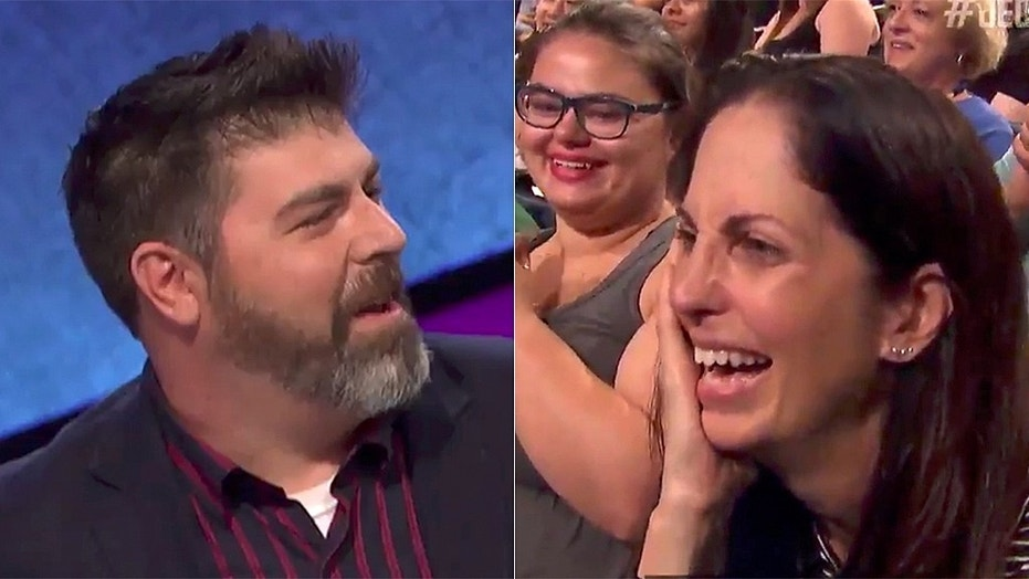 'Jeopardy!' contestant proposes to girlfriend during game show