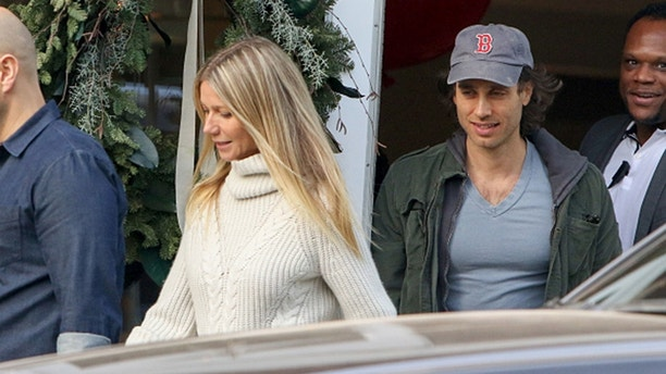 LOS ANGELES, CA - DECEMBER 10: Gwyneth Paltrow and Brad Falchuk are seen on December 10, 2016 in Los Angeles, California.  (Photo by BG004/Bauer-Griffin/GC Images)