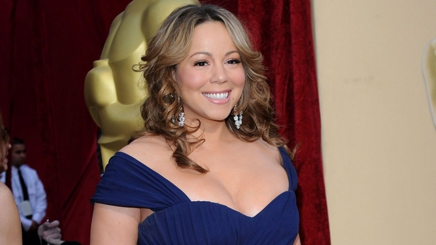 HOLLYWOOD - MARCH 07:  Singer/actress Mariah Carey arrives at the 82nd Annual Academy Awards held at Kodak Theatre on March 7, 2010 in Hollywood, California.  (Photo by Jason Merritt/Getty Images)
