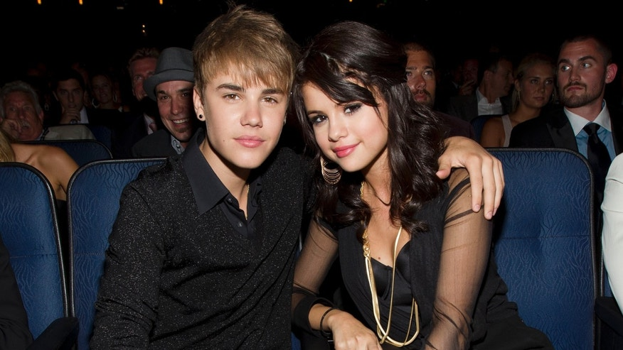 LOS ANGELES, CA - JULY 13: Singers Justin Bieber and Selena Gomez attend The 2011 ESPY Awards  at Nokia Theatre L.A. Live on July 13, 2011 in Los Angeles, California. (Photo by Christopher Polk/Getty Images for ESPN)
