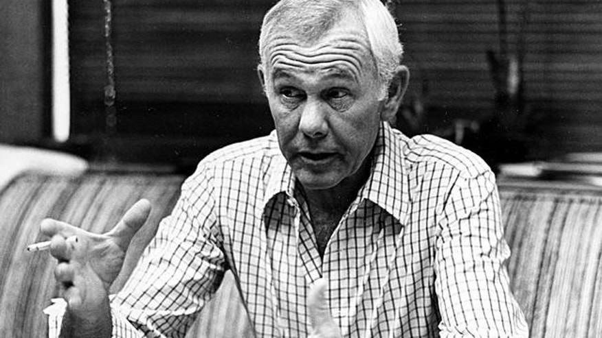"Johnny Carson, host of the ""Tonight Show,"" talks in his office in Los Angeles, Ca., Sept. 14, 1982.  The late-night talk show celebrates its 20th year on television.  (AP Photo/Nick Ut)"