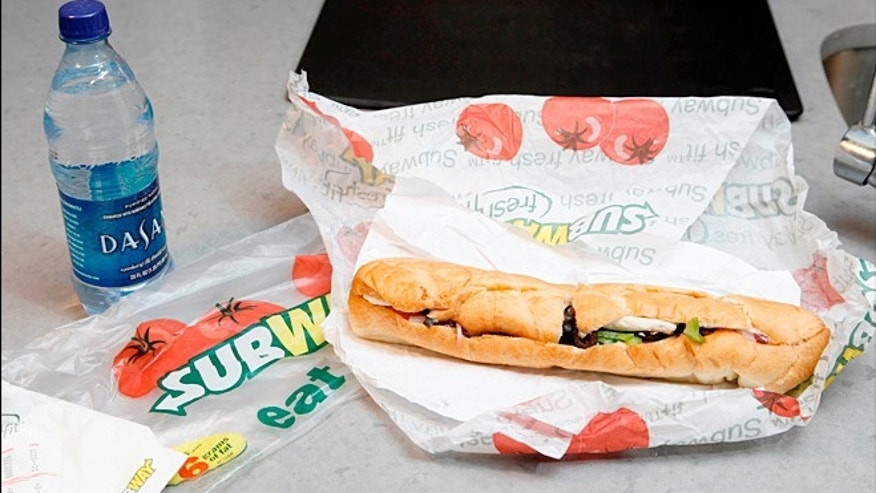 A Chicago man has joined the ranks of angry customers claiming that Subways is short changing its customers with its footlong sandwiches.