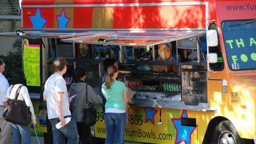 The Thai-fusion Yum Yum Bowls food truck at UCLA.