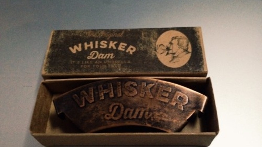 The Whiskey Dam comes in a small box.