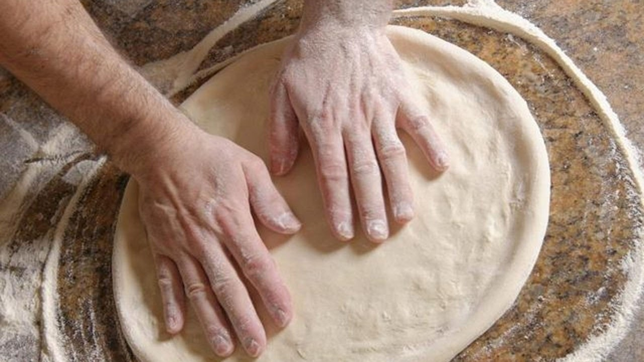 How to make perfect homemade pizza dough