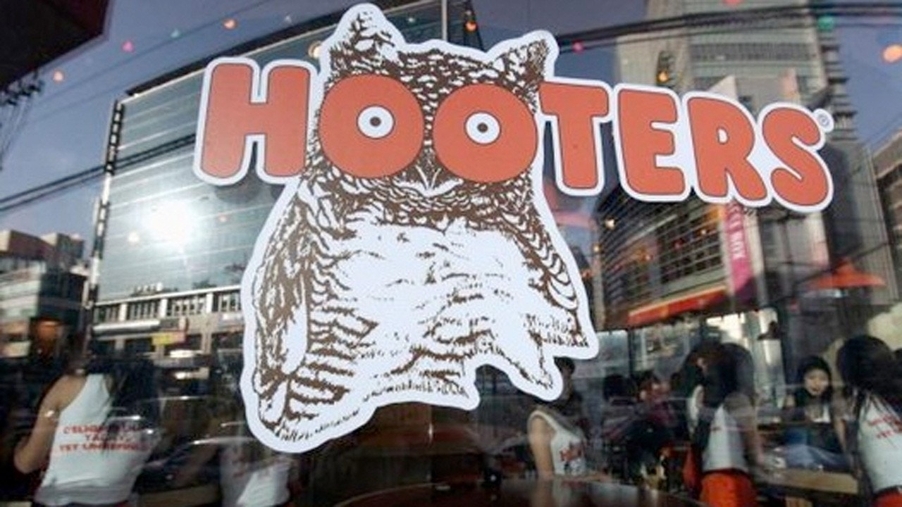 sexual harassment of hooters restaurant A cbs 5 investigation found the sexual harassment problem is rampant in the restaurant and bar industries.