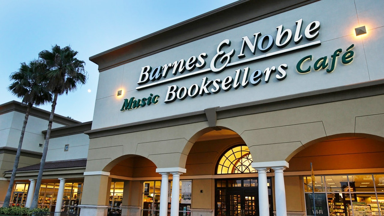 Barnes & Noble tries to win back Amazon customers with ...