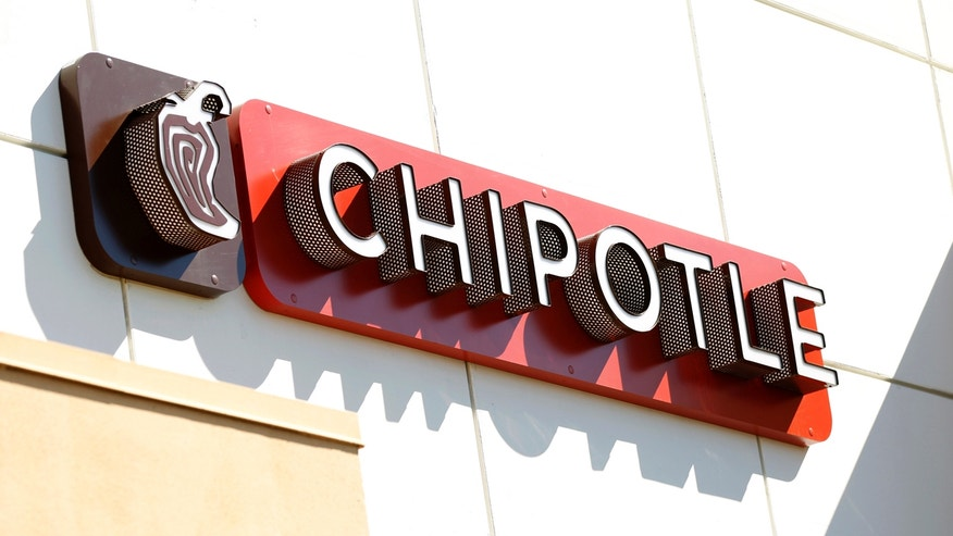 The sign of a Chipotle restaurant is pictured in Pasadena, California October 17, 2012. Chipotle Mexican Grill Inc on Thursday reported quarterly profit that missed Wall Street's view and said it expects growth in sales at established restaurants to cool in 2013, sending shares down more than 12 percent after hours. Picture taken October 17, 2012. REUTERS/Mario Anzuoni (UNITED STATES - Tags: BUSINESS LOGO FOOD) - RTR39AY7