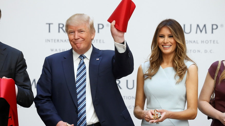 Republican presidential nominee Donald Trump cuts the ribbon at his Trump International hotel in Washington, Oct. 26, 2016. Daisuke Nakazawa, a protégé of legendary sushi chef Jiro Ono, will open a sushi restaurant at the property next year.