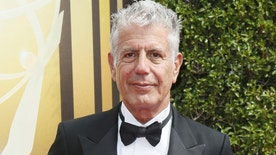 Chef Anthony Bourdain poses at the 2015 Creative Arts Emmy Awards in Los Angeles, California September 12, 2015. REUTERS/Danny Moloshok - RTSTGD