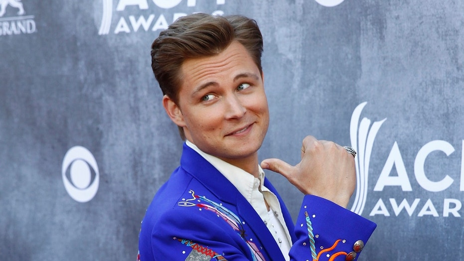Frankie Ballard wows a restaurant in his hometown with generous tip.