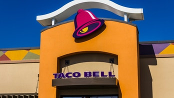 Muncie, US - August 3, 2016: Taco Bell Retail Fast Food Location. Taco Bell is a Subsidiary of Yum! Brands II