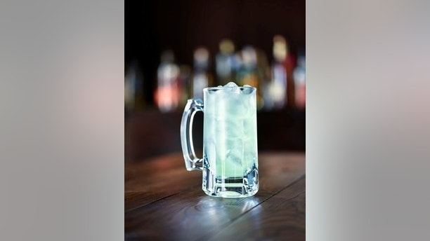 Applebee's® Neighborhood Grill + Bar will be offering $1 margaritas, known fondly as the DollaritaTM, as part of the month-long national celebration of Applebee's Neighborhood Appreciation Month. (PRNewsfoto/Applebee's Neighborhood Grill &)