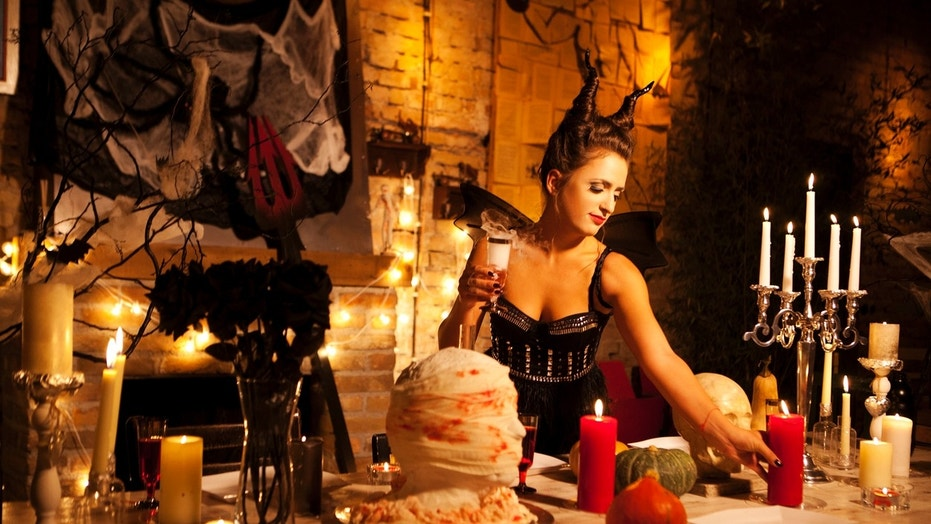 Spooky Halloween Cocktails That Are Perfect For Parties