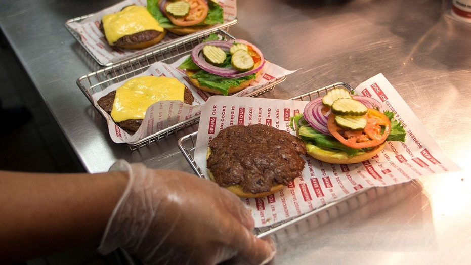 Smashburger is taking a page out of Olive Garden's playbook.
