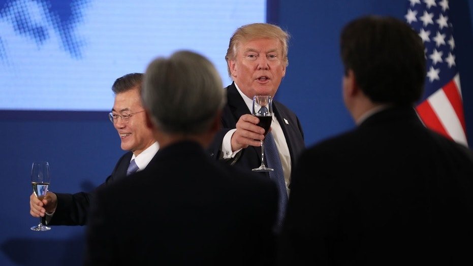 Trump meets with 'comfort woman' during state dinner
