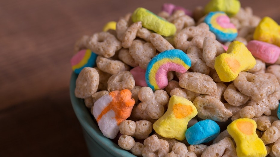 Lucky Charms' new cereal may not be an official partnership with Kellogg's, who owns Frosted Flakes.