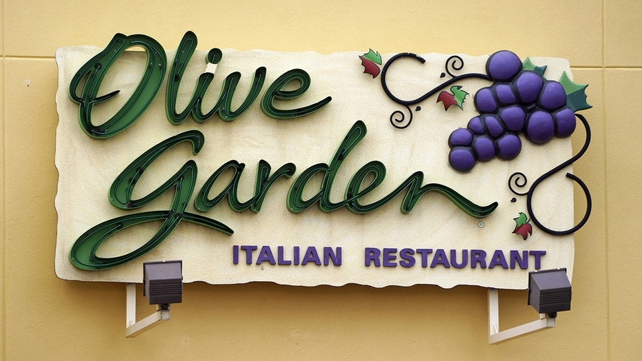 Olive Garden jumps into the nacho game with new Loaded Pasta Chips