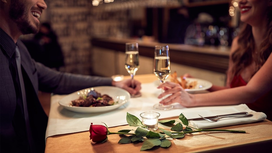 Spend Valentine\'s Day at the most romantic restaurant in the country ...