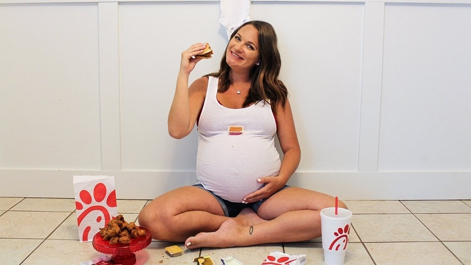Bre Bradford, 28, decided to do a Chick-fil-A themed photo shoot after craving the fast food during her pregnancy.