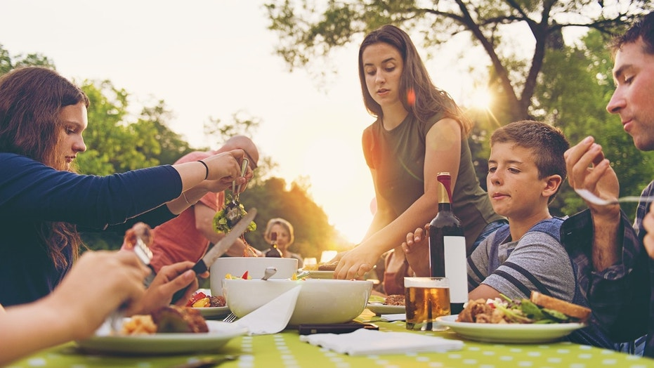 The average American kid thinks about food for 945 hours during the entirety of his/her teenage years — or a little over 39 solid days.