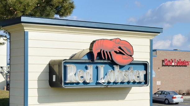 """""""Rochester Hills, Michigan, USA - February 17, 2012: The Red Lobster restaurant on Rochester Road in Rochester Hills, Michigan. Red Lobster is a chain of casual dining seafood restaurants with over 700 locations."""""""