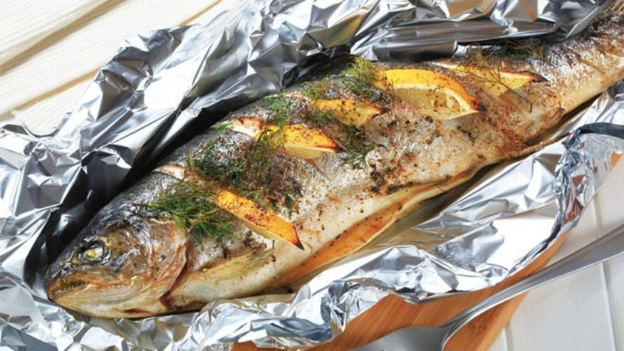 Grilled whole fish with lemon and tarragon recipes for How to cook a whole fish