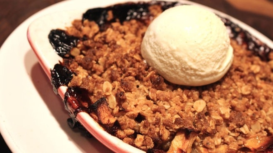Apple Goji Crisp_True Food Kitchen1.jpg