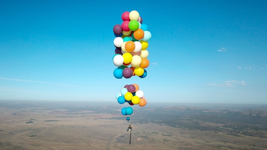 British adventurer Tom Morgan flew over South Africa in a stunt reminiscent of the movie   & Man flies over South Africa using 100 balloons strapped to camping ...