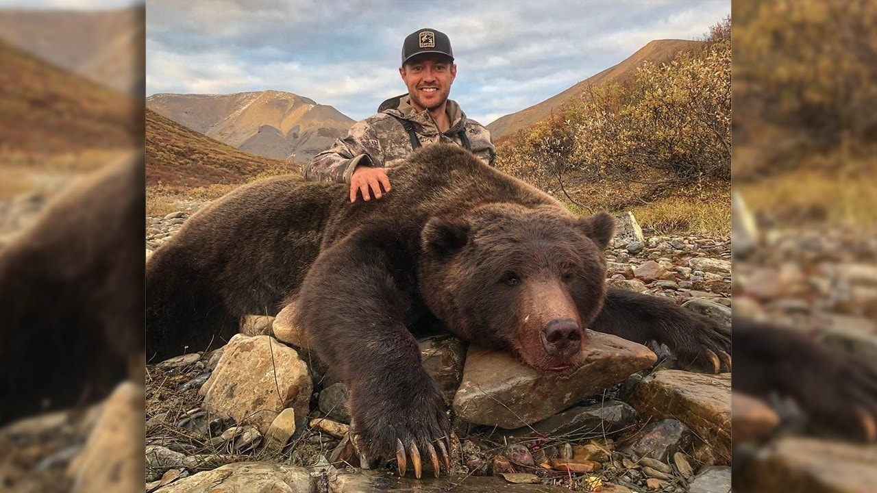 Former NHL player called 'disgusting,' receives death threats after posting pictures of grizzly bear hunt